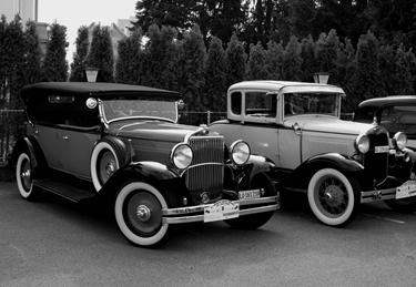 Due belle auto d'epoca