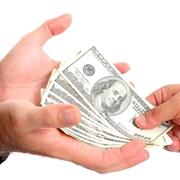 Dipendente di un sito per mediazione di prestiti