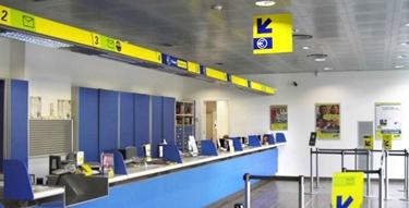 interno di un ufficio postale